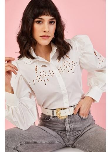 ESQ Dantel Yaka Yakmalı Bluz Beyaz